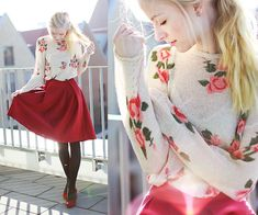 Joana Gröblinghoff - Sheinside Sweater, Sheinside Falda, Görtz Shoes - Rosas rojas y el sol brillante