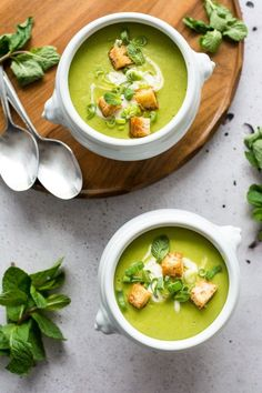 "5 Ingredient Pea and Mint Soup and the launch of ""The 5 Ingredient Dinner"". Get your free copy now!"