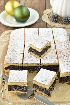 Poppy seed cake with batter - recipe- Mohnkuchen mit Rührteig – Rezept Recipe for poppy seed cake with batter. A juicy sponge cake with a delicious and juicy poppy seed filling. What a great cake, not only for Christmas. Pastry Recipes, Dessert Recipes, Better Than Anything Cake, Good Keto Snacks, Batter Recipe, Recipe Recipe, Poppy Seed Cake, French Desserts, French Recipes