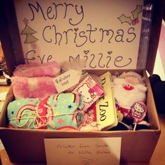Make Your Own Christmas Eve Box: Everything You Need!