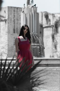 4 Beautiful Fashion Pictures Selective Focus Photography Of Woman Wearing Red Sleeveless Dress Pink Satin Dress, Red Sleeveless Dress, Pink Floral Dress, Focus Photography, Photography Women, Desert Fashion, Woman Standing, Tube Dress, Spaghetti Strap Dresses