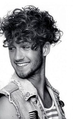 Men's Curly Wavy Hairstyles - 34