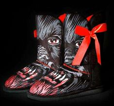 Spooky Halloween Attire - If you want some comfortable yet spooky Halloween attire, you should try the Iron Fist Wolfbeater Vegan Fug Boot. The freaky wolf eyes and sharp bl. Ugly Shoes, Bling Shoes, Crazy Shoes, Me Too Shoes, Dream Shoes, Wolf Eyes, Shoes Stand, Vegan Boots, Spooky Halloween