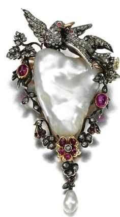 amazing use of baroque shape pearl