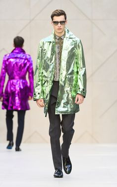 The Burberry Prorsum Spring/Summer 2013 show. Burberry, COLOURED ALUMINUM FOIL with an expensive label? HMMMM!!!!
