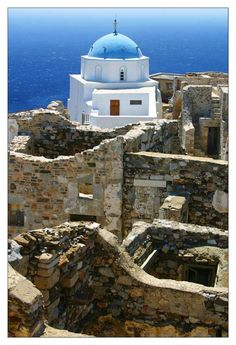A Greek Orthodox Churck built in the Castle of Astypalaia Island, Greece Santorini, Bora Bora, Places To Travel, Places To See, Places Around The World, Around The Worlds, Myconos, Greek Isles, Paradise On Earth