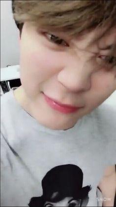 cutie and cool ⚘ yoonmin Jimin Cute Selca, Park Jimin Cute, Namjoon, Yoonmin, Bts Video, Foto E Video, Bts Snapchats, Jaewon One, Foto Jimin