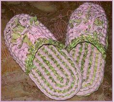 O Blog da avó Guida 2: Chinelos de trapilho e crochet