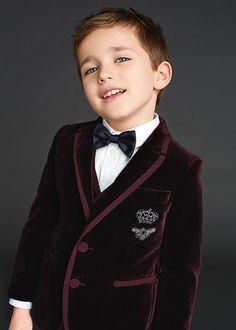 Dolce & Gabbana Children Winter Collection 2016 ♦F&I♦ Dolce Gabbana 2016, Dolce And Gabbana Kids, Cute Kids, Cute Babies, Fashion Design Jobs, Look Formal, Stylish Kids, Fashion Kids, Winter Collection