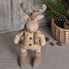 Купить Лось в шарфе. Интерьерная игрушка - интерьерная игрушка, бежевый, лось лоси лосик лосики