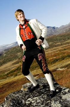 Brudgomsbunad fra Hallingdal Looking Gorgeous, Folklore, The Man, Norway, Woods, Bomber Jacket, Hipster, Traditional, Suits