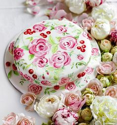 This beautiful painted cake makes a gorgeous centrepiece on a summer table ...