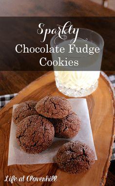 Sparkly Chocolate Fudge Cookies: A Festive Christmas Dessert Recipe Delicious Chocolate, Chocolate Recipes, Cookie Recipes, Dessert Recipes, Dessert Ideas, Yummy Recipes, Baking Recipes, Christmas Desserts, Christmas Cookies