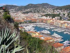 Breathtaking views over the harbor in Nice as seem from Chateau Hill -- Photo: Shawnie Kelley Fpy Romantic Places, Beautiful Places, The Places Youll Go, Places To See, Provence, France Eiffel Tower, Nice France, France Travel, Landscape Photos