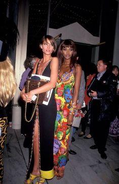 Christy Turlington & Naomi Campbell 90s fashion style streetstyle model-off-duty