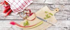 Rezept: Rhabarberkuchen mit Guss aus Crème fraîche oder Schmand | hr-fernsehen.de | Rezepte