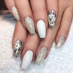 """""""Love these nails ❤ #nails #inspo #glitter #sparkle"""""""