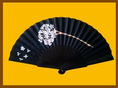 Abanicos pintados a mano Fan Decoration, Fancy, Hand Fans, Antiques, Costume, Beauty, Products, Fashion, Painted Fan