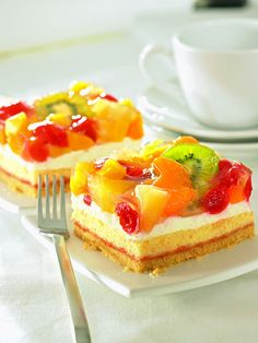 Most recent Absolutely Free fruit cake healthy Thoughts - yummy cake recipes German Bread, German Baking, German Cake, Healthy Cake, Healthy Desserts, Easy Desserts, Desserts For A Crowd, Summer Desserts, Delicious Cake Recipes