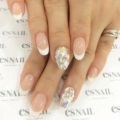 #nail#nails#nailart#naildesign#esnail#esnail_shibuya#gelnail#ネイル#エスネイル#ジェルネイル#esネイル#ネイルデザイン#tokyo#newnail @esnail_la#frenchnail#simplenail#swarovski#crystal#aurora#フレンチネイル#美甲#指甲