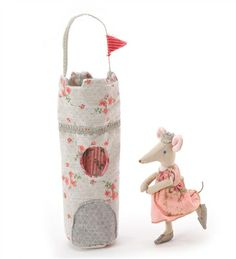 Maileg Mouse Queen with Tower Carrier