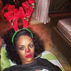 "#Rihanna SwEEEt & SeXXXy @ ""Rudolph The Red-Nosed Reindeer"" #Xmas #Selfies – CHECK HERE!!!"