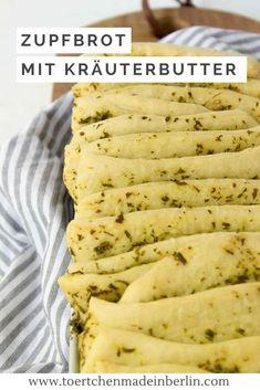Rezept: Leckere Grillbeilage - Zupfbrot mit Kräuterbutter. Veganer Hefeteig. Perfekt für den Sommer