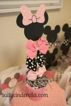 Salty Cinderella: Minnie Bow-tique Birthday Party, hair bow favors