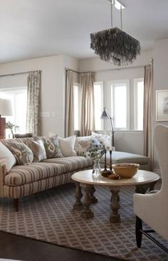 sarah richardson sarah house 4 family room Love these colors for the living room. Family Dining Rooms, Home And Living, Interior Design, Cozy Family Rooms, Family Living Rooms, Home, Interior, Family Room, Home Decor