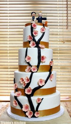27 Unique Wedding Cakes   Austin Weddings   Austin Wedding Blog