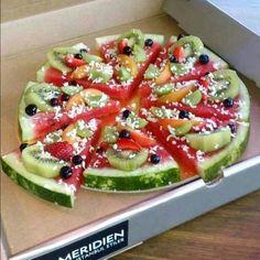 Fruit Salad Pizza. Super drole pour un gouter !