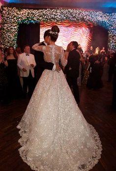 Silvia Tcherassi Bridal #SilviaTcherassiBridal #TcherassiAtelier #BridalAtelier #weddingdress #weddinggown #bridal #bride #wedding #handmade #oneofakind
