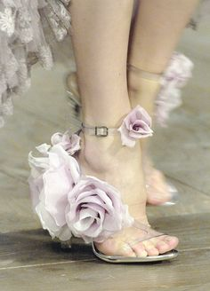 wink-smile-pout:  Shoes at Alexander McQueen Spring 2007