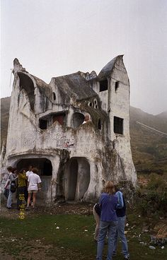 Crazy architecture on the road between Cochabamba and Villa Tunari, Bolivia by Guttorm Flatabø, via Flickr