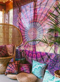 https://marketplace.bohemiandiesel.com/product/mahali-medallion-tapestry-colors/