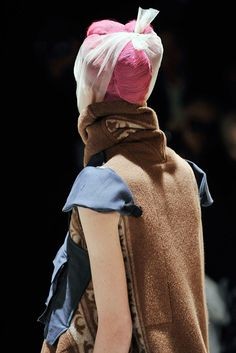 Comme des Garçons Fall 2009 Ready-to-Wear Accessories Photos - Vogue