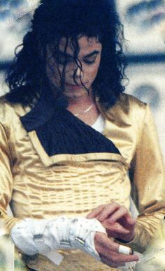 Michael live Give in to me