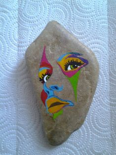 Hand painted rocks - colorful geometric face painted on natural stone rock design, rock crafts Pebble Painting, Ceramic Painting, Pebble Art, Stone Painting, Stone Crafts, Rock Crafts, Arts And Crafts, Painted Rocks Craft, Hand Painted Rocks