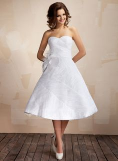 Wedding+Dresses+-+$199.99+-+Ball-Gown+Sweetheart+Knee-Length+Taffeta+Organza+Wedding+Dress+With+Ruffle+Feather+Flower(s)+(002012097)+http://jjshouse.com/Ball-Gown-Sweetheart-Knee-Length-Taffeta-Organza-Wedding-Dress-With-Ruffle-Feather-Flower-S-002012097-g12097