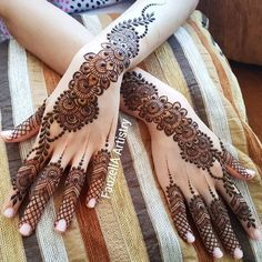 Our entertaining gallery of this season's hottest rearfoot bracelet tatto designs for ladies. Khafif Mehndi Design, Full Hand Mehndi Designs, Henna Art Designs, Mehndi Designs 2018, Mehndi Designs For Girls, Mehndi Designs For Beginners, Dulhan Mehndi Designs, Mehndi Design Pictures, Wedding Mehndi Designs