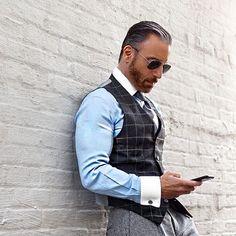Christopher Korey, one of the best-dressed dapper gentlemen on Instagram. jetzt neu! ->. . . . . der Blog für den Gentleman.viele interessante Beiträge - www.thegentlemanclub.de/blog