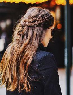 Para enfeitar qualquer comprimento de cabelo... Meio preso em versão trançada!
