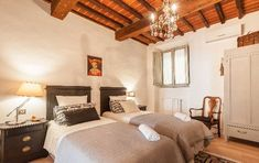 Apartment For Sale, Superb 2 Bed Apartment in Tuscany Italy, Arezzo, Tuscany Tuscan Design, House Rental, Apartments For Sale, Decor Design, Living Area, Country Style Kitchen, Home Decor, Small Space Storage, Ideal Home