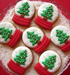 25 Christmas Sugar Cookie Tutorials and Inspiration!
