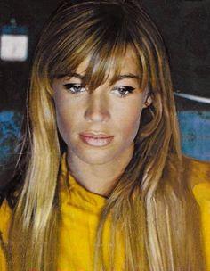 Françoise Hardy - metallic eyeliner and yellow blouse