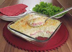 Clique e veja a receita de Batata gratinada com presunto e queijo! Também veja dicas de como fazer Batata gratinada com presunto e queijo com ingredientes deliciosos e se tornar um verdadeiro chef de cozinha!