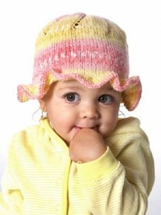 Easy knit hat patterns are perfect for baby. Keep your little angel's head warm with these free knitting patterns. Knitted baby hats are a quick project and they're extra cute, so make one today! Baby Hat Knitting Pattern, Baby Hats Knitting, Knitting For Kids, Knitting Patterns Free, Knit Patterns, Free Knitting, Knitted Hats, Free Pattern, Knitting Needles