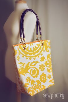 Sewplicity: TUTORIAL: Decked Out Summer Tote