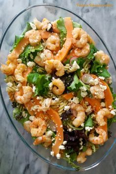 Salada de camarão ao alhinho e papaia - http://gostinhos.com/salada-de-camarao-ao-alhinho-e-papaia/
