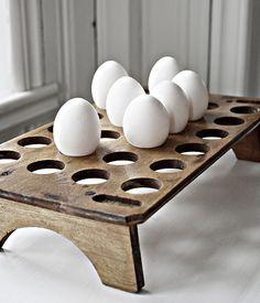 wood egg holder ~ great for decorating Easter eggs. Egg Storage, Bois Diy, Diy Inspiration, Egg Basket, Egg Holder, Down On The Farm, Egg Cups, Chicken Eggs, Chickens Backyard